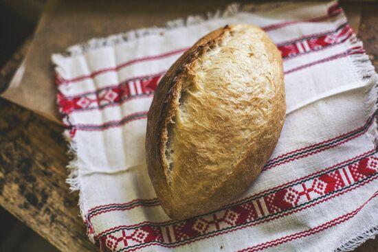 Фото №3 SASHA BREAD BAKERY Батон пшеничный 380 г