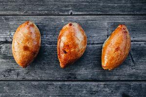 фото SASHA BREAD BAKERY Набор пирожков с луком и яйцом 3шт 180г