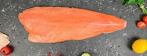 фото ШАВЕРНЕВ Филе лосося трим E охл. на подложке