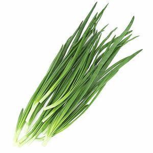 фото Лук зелёный перьевой очищенный